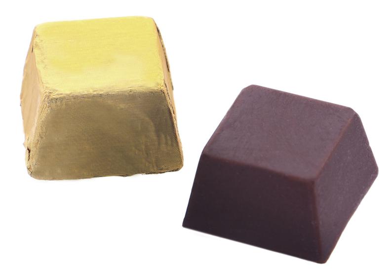 Milk chocolate mini cube